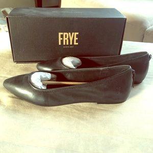 Frye Regina Black Flat, Size 8.5, Fits Like A 9
